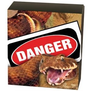 deadly-and-dangerous-death-adder-1-oz-silber-koloriert-shipper